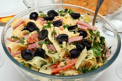 Рецепт Итальянский салат с макаронами и сыром