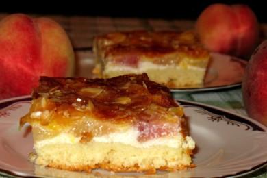 Рецепт Пирог с творогом и свежими персиками