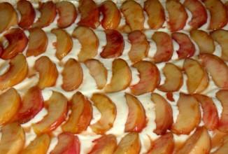 Пирог с творогом и свежими персиками - приготовление