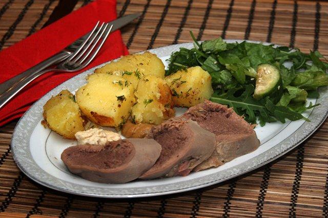 Рецепт блюда из отварного говяжьего языка