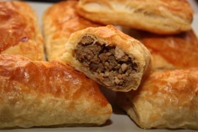 Рецепт Слоеные пирожки с мясом