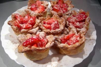 Рецепт Клубничные корзинки со сливочным желе