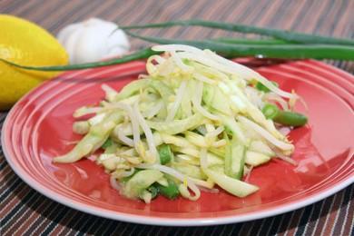 Рецепт Салат с проростками фасоли маш