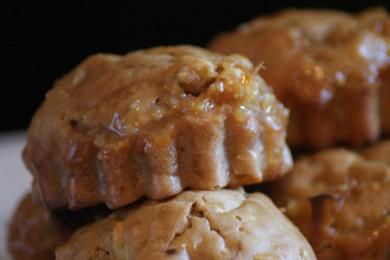 Рецепт Мини-кексы с белым шоколадом и орешками