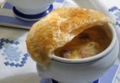 Суп луковый в горшочках