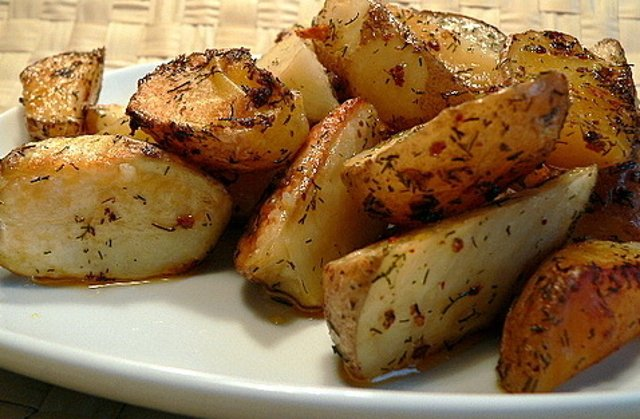 Картофель запеченный с кожурой в духовке