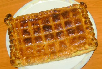 Слоеный пирог с сардинами - приготовление