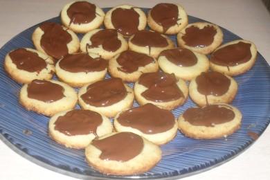 Рецепт Песочное печенье в шоколадной глазури