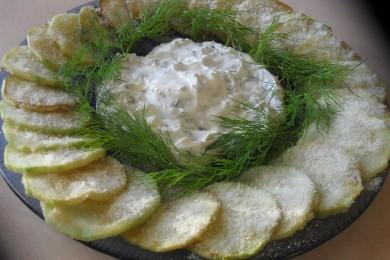 Рецепт Кабачки с чесночным соусом в пармезане