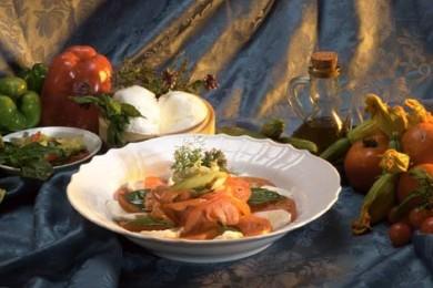 """Рецепт Салат """"Капрезе"""" с обжаренными овощами и тимьяном"""