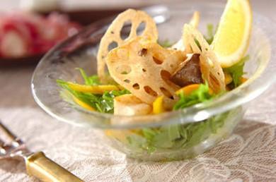 Рецепт Салат из корней лотоса и вешенок