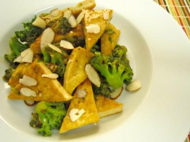 Рецепт Жареные брокколи с тофу