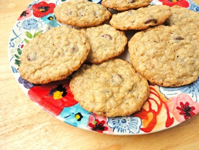 Рецепт Овсяное печенье с молочным шоколадом и кардамоном