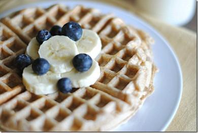 Рецепт Банановые вафли из цельной пшеницы — рецепт для вафельницы