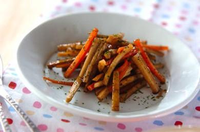 Рецепт Салат из жареного лопуха с морковью