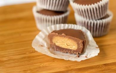 Рецепт Домашние кокосово-арахисовые пирожные.