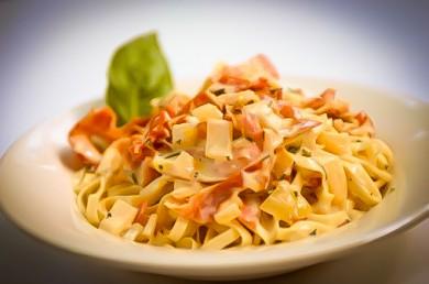 Рецепт Спагетти с беконом и яйцом