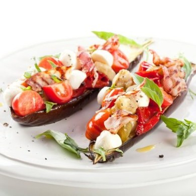 Рецепт Салат из печеных баклажанов с моцареллой Unagrande