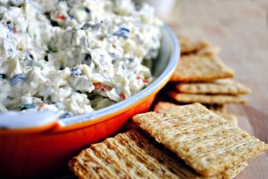 Рецепт салат с сыром и оливками