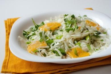 Рецепт Салат из капусты с апельсинами и зеленью