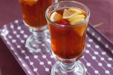 Рецепт Имбирный чай с клубникой
