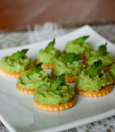 Рецепт Паштет из зеленого горошка и авокадо с мятой