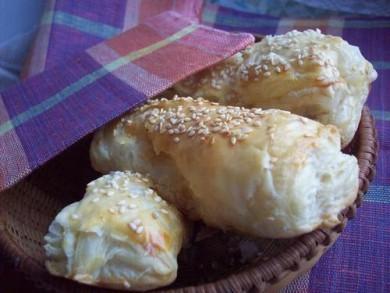 Рецепт Слоеные булочки с сыром и мясом