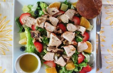 Рецепт Фруктовый салат с курицей