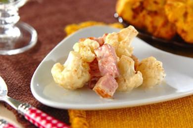 Рецепт Цветная капуста жареная со сметаной и беконом