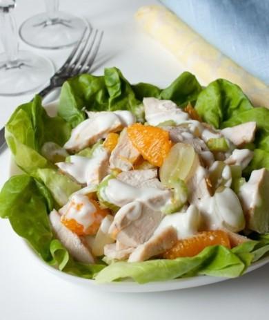 Рецепт Салат из курицы с фруктами