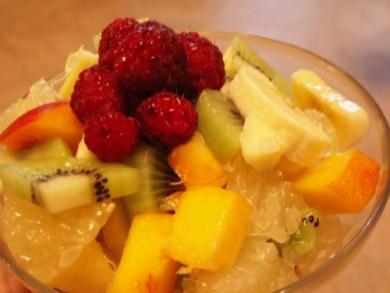 Рецепт Фруктовый десерт с мороженым