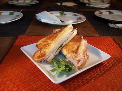 Рецепт Бутерброд с жаренной индейкой и рукколой