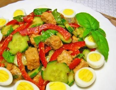 Рецепт Салат из семги, огурца и болгарского перца