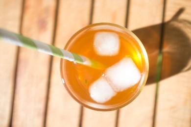 Рецепт Чай со льдом с персиком и мятой