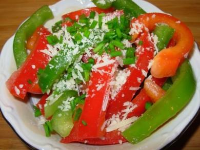 Рецепт Салат с красным и зеленым перцем