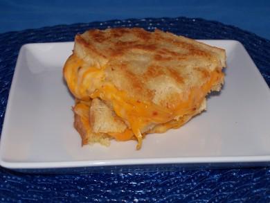 Рецепт Гриль-сэндвич с мраморным сыром