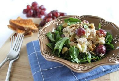 Рецепт Оздоровительный салат с тунцом Уолдорф