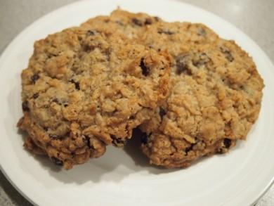 Рецепт Овсяное печенье с изюмом и кокосовой стружкой
