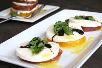 Рецепт Капрезе с помидорами