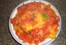 Тофу, тушеный в томатном соусе