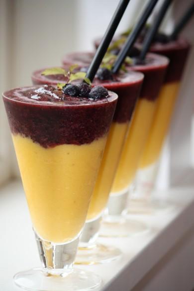 Рецепт Чернично-манговые смузи