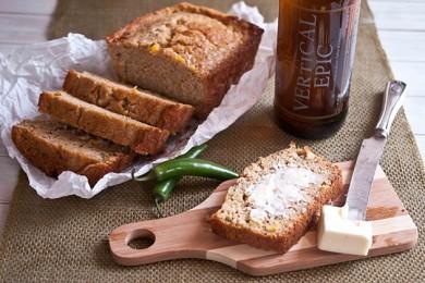 Рецепт Кукурузный хлеб с пивом и халапеньо