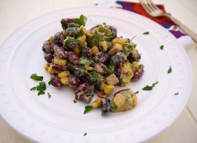 Рецепт Мексиканский салат с фасолью под сливочным соусом