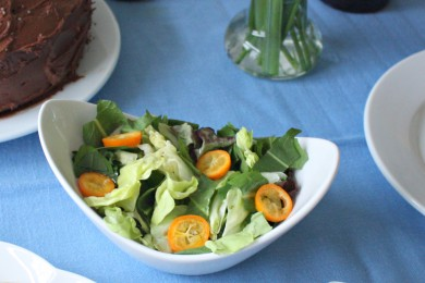 Рецепт Салат из одуванчиков, латука и кумквата