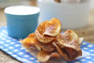 Рецепт Домашние чипсы с луком и укропом — рецепт для фритюрницы