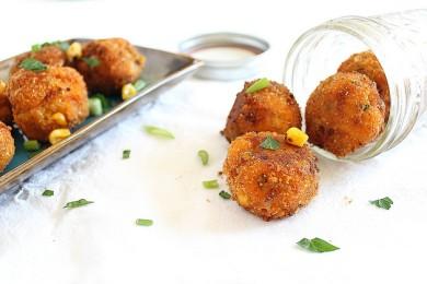 Рецепт Картофельные шарики с кукурузой и чеддером