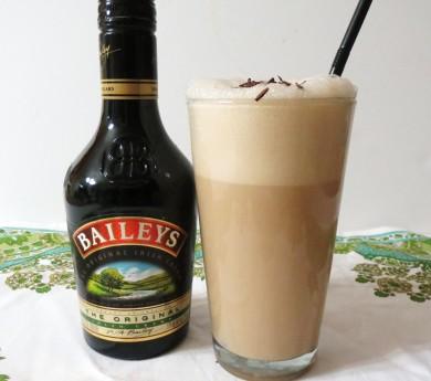 Рецепт Шейк с ирландским сливочным ликером Бейлис