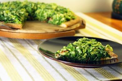 Рецепт Пицца с беконом, латуком и томатами