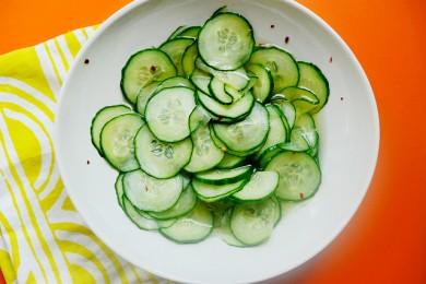 Рецепт Пряный огуречный салат