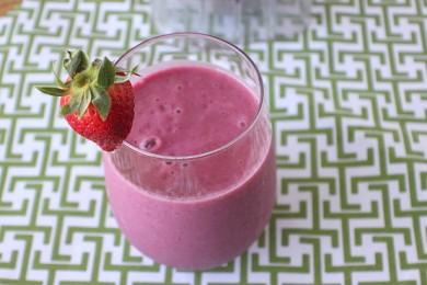 Рецепт Взрывной ягодный смузи